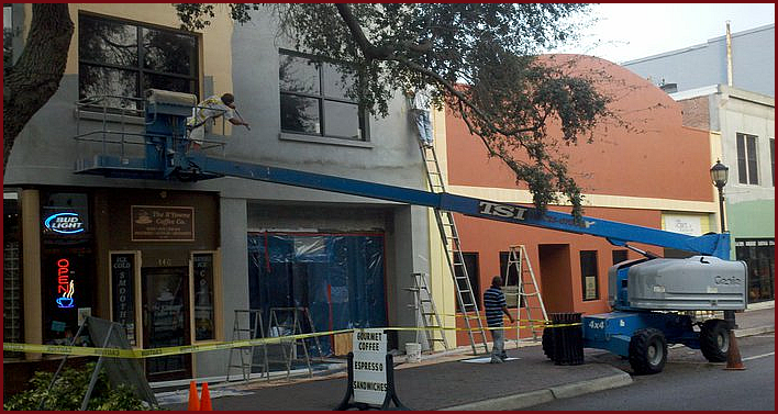 Commercial painter in Bradenton FL. Painting a commercial building in Bradenton.